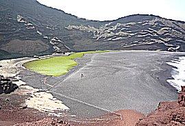 El golfo, een groen krater meer nabij de zee