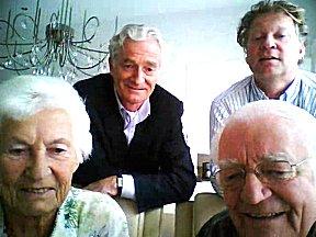 Ouders Ernie en haar broers via skype op bezoek