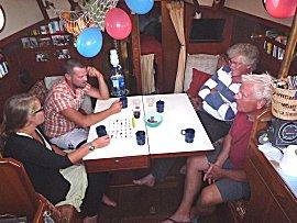 Roger is 31, dus balonnen tijdens het etentje aan boord van de Gabber