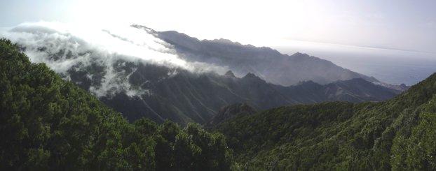 mooi uitzicht in natuurpark Anaga met in de verte Gran Canaria