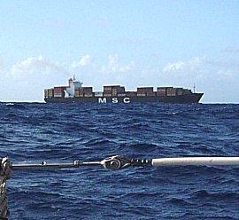 Swell van 3-4 meter belemmerd het zicht op nabije scheepvaart