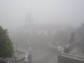 Kerkje van Valverde nadat de wolken binnen trokken
