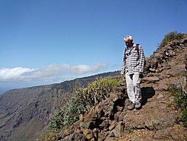 Erik aan de wandel over de PR.EH.3, Isora naar Las Playas