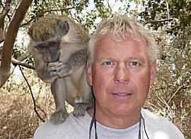 Erik (rechts) met aap, Green monkey