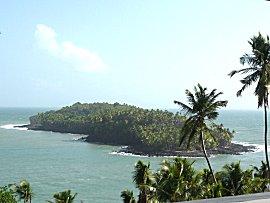 Duivels eiland (Ile du Diable) vanaf Ile du Royal