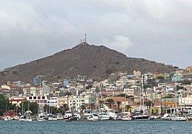 Mindelo, jachthaven en stad