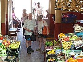 Pieter en Trudy op de markt in Sal Rei