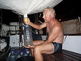 Erik blij met vers zoetwater