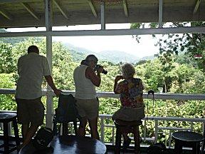 Vogels spotten vanaf de waranda bij ASA Nature Centre