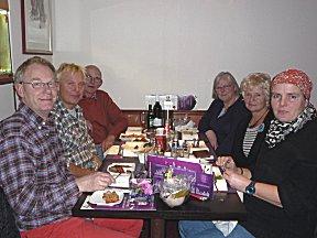 Lekker eten en kletsen met Joop, Ria, Birgit en Daan.