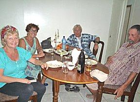 Al het eten ging op bij Happy de Chinees in Paranam.