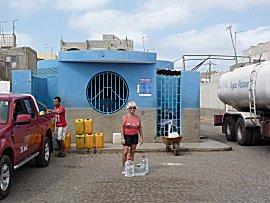 Water halen bij de openbare waterverdeling
